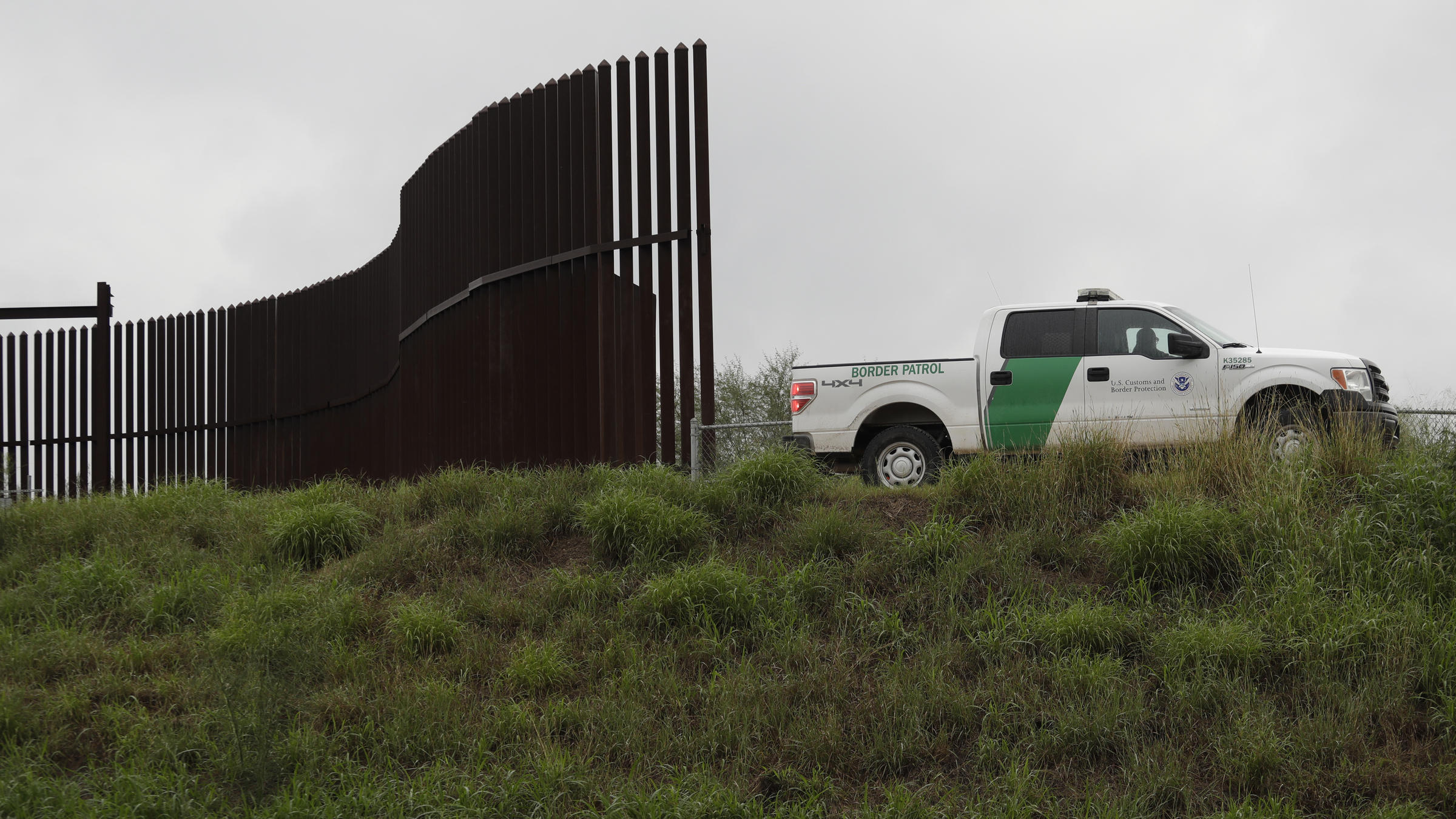 Trump's Plan To Hire 15,000 Border Patrol And ICE Agents Won