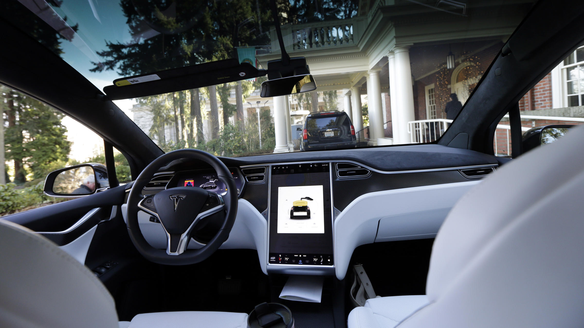 No Driver Input Detected In Seconds Before Deadly Tesla Crash
