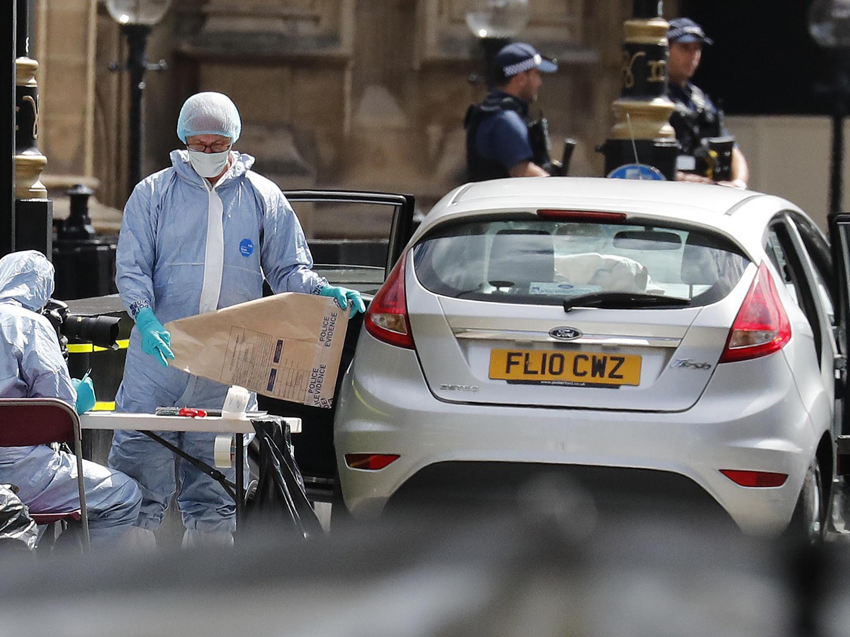British Police Name Suspect In Crash At Parliament That Injured 3