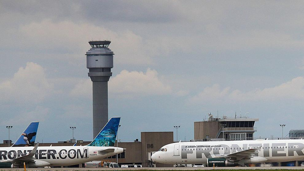 Pilots And ACLU Sue Airline Over Breast Milk Pumping At Work