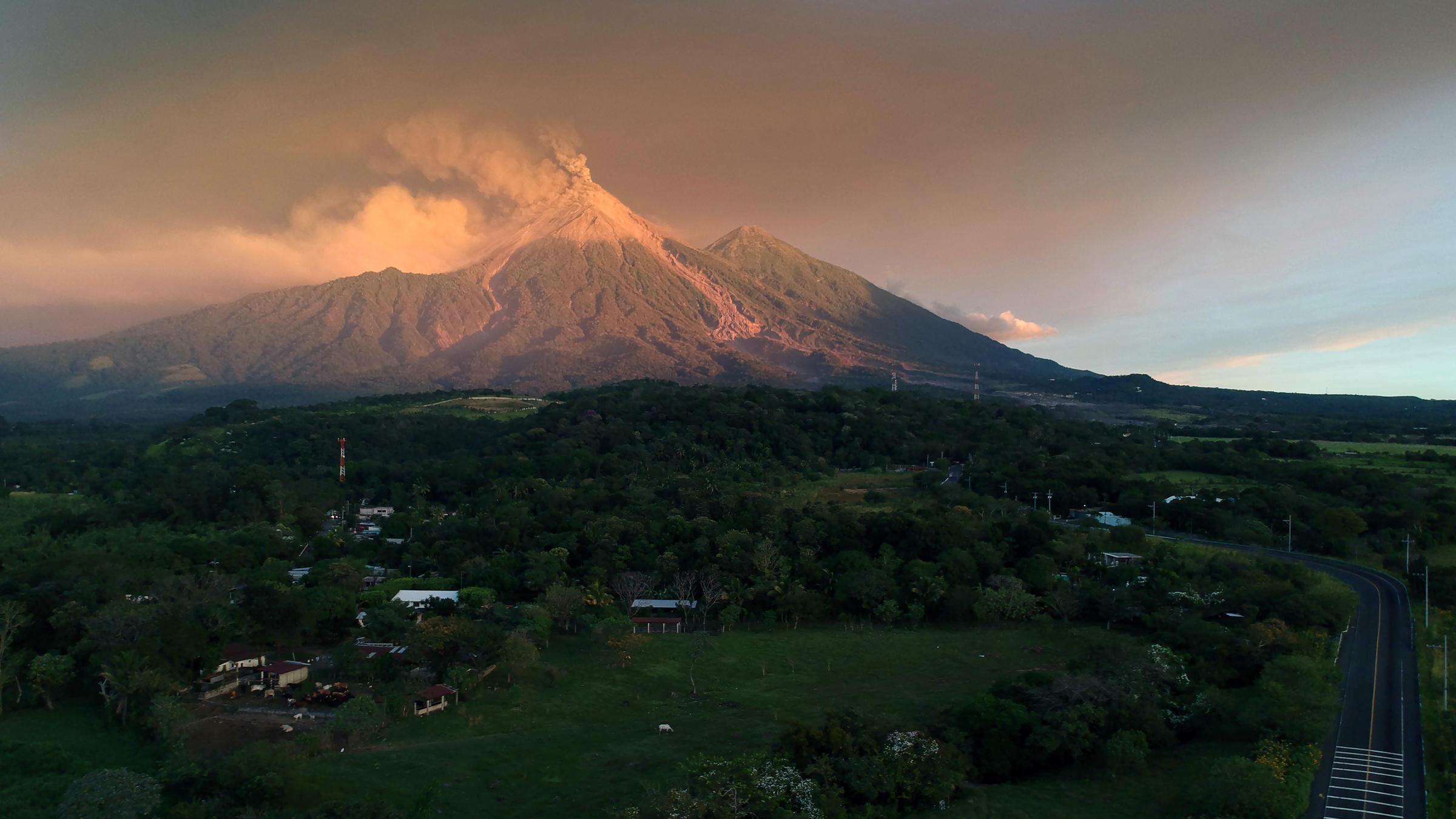 Thousands Flee As Guatemalan Volcano Erupts Again