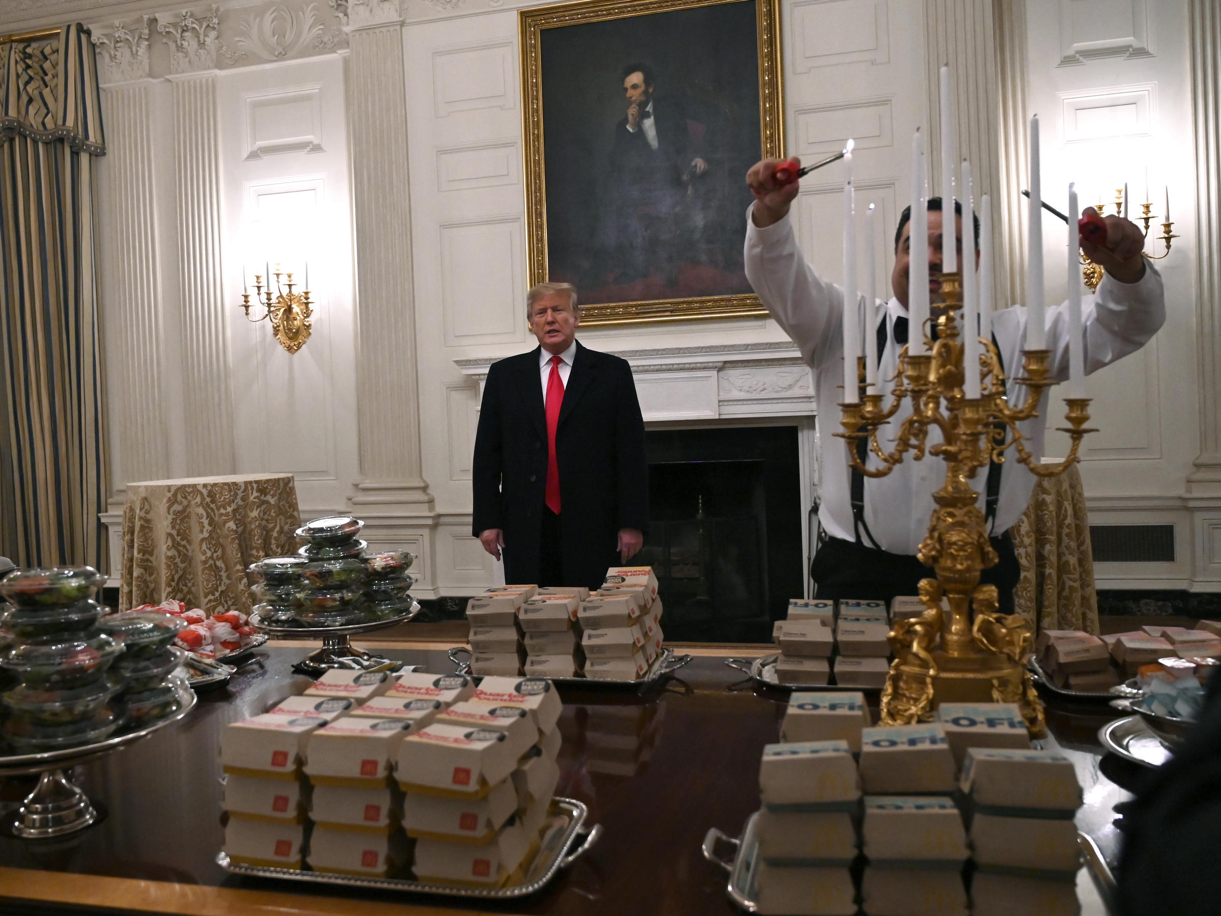 Feast Fit For A Burger King Trump Serves Fast Food To