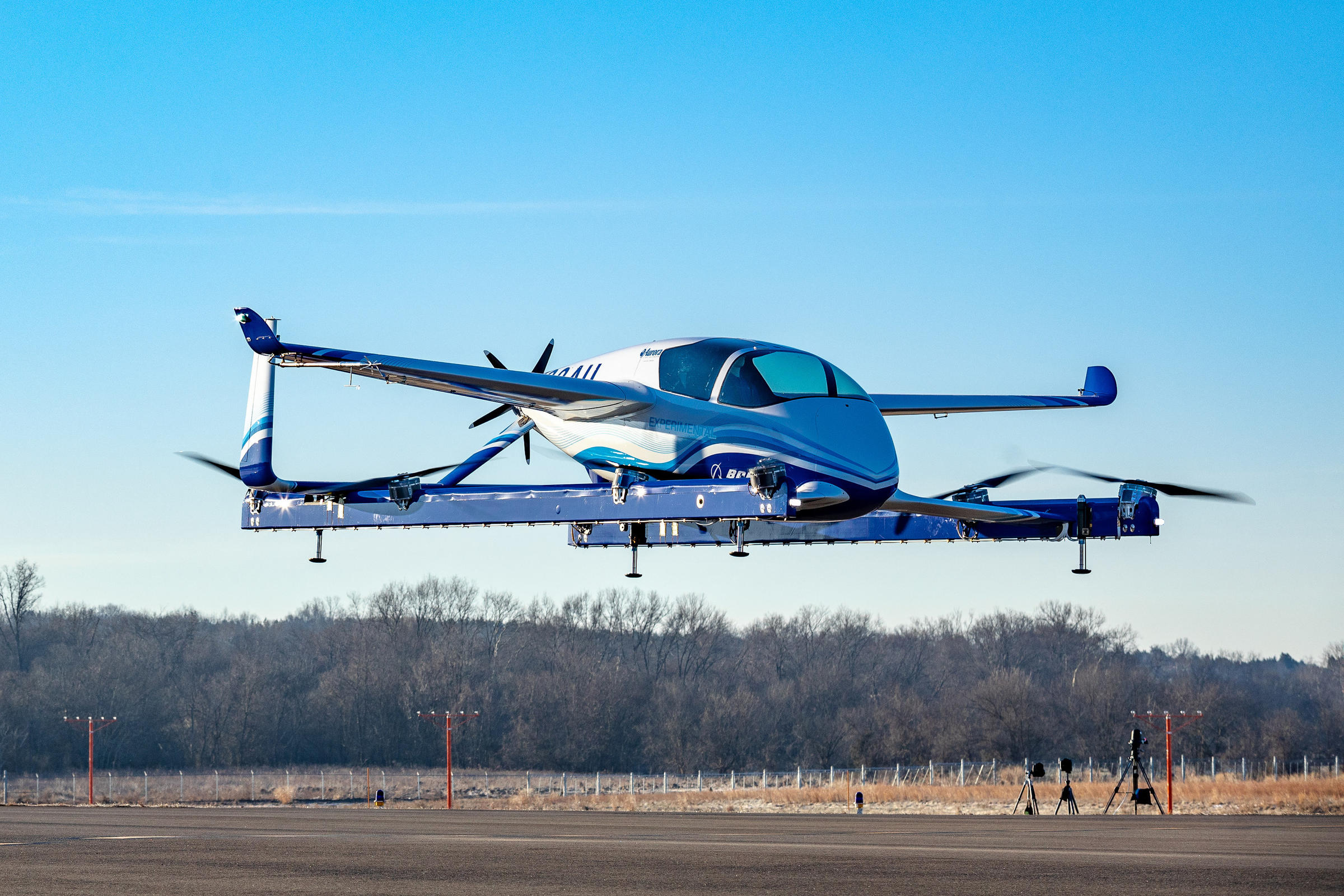 Self-flying air taxi