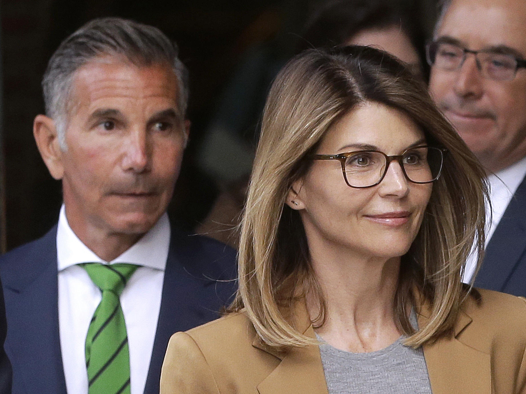 Lori Loughlin, Mossimo Giannulli Plead Not Guilty In College