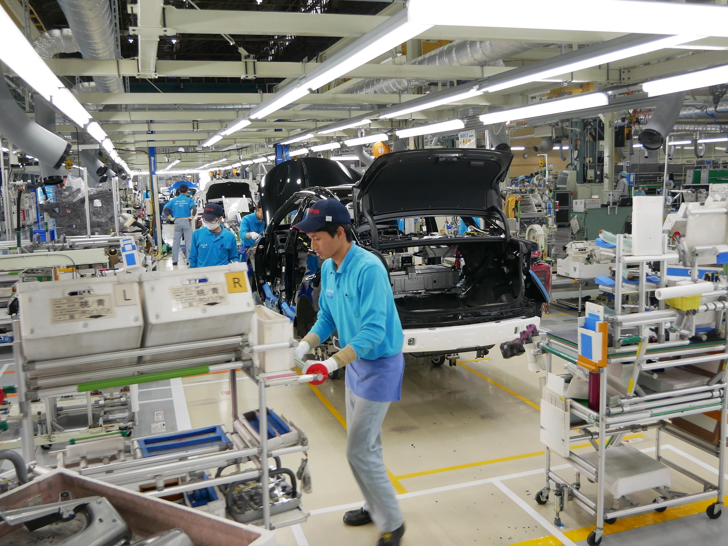 Japan Is Betting Big On The Future Of Hydrogen Cars | 91 5