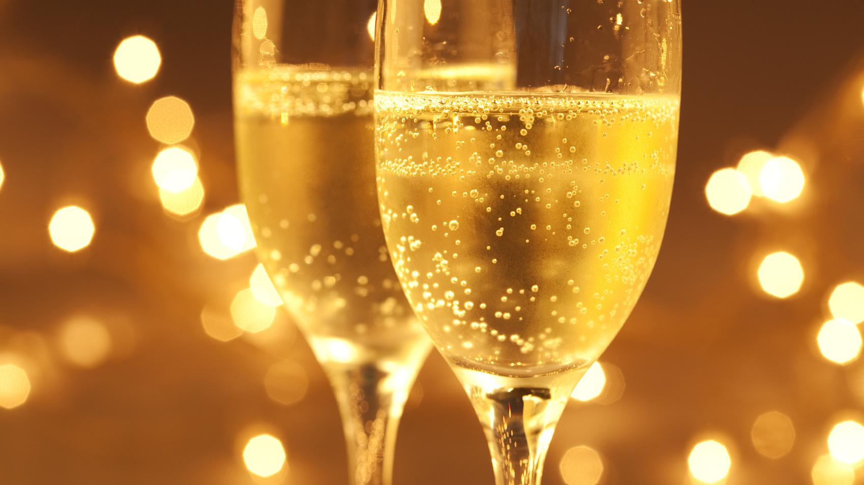 Cheap Bubbly Or Expensive Sparkling Wine? Look To The Bubbles For Clues | KNKX