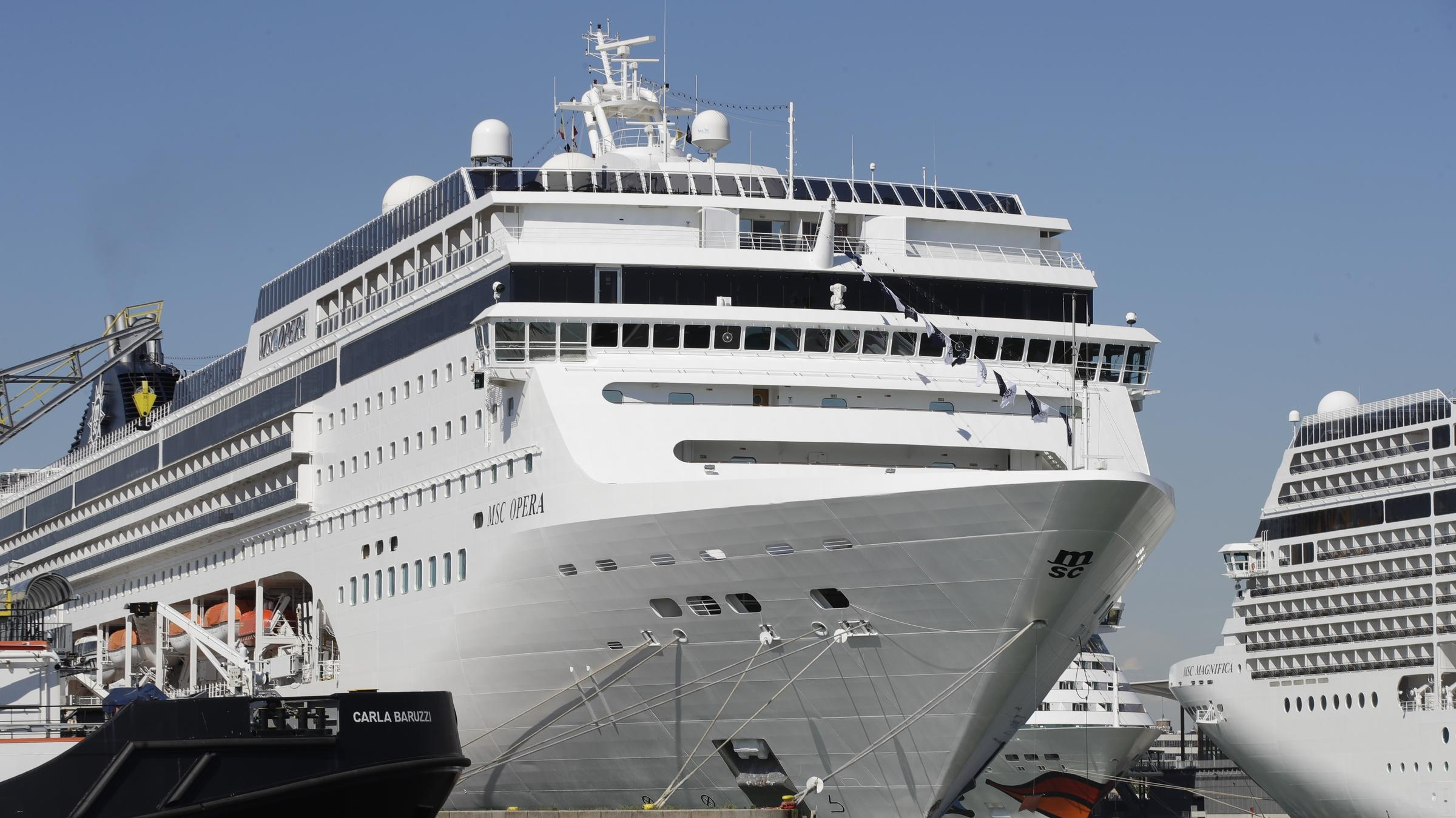 Mive Cruise Ship Crashes Into Port In Venice, Injuring At ... on venice italy tourist attractions map, train station venice map, venice airport map, venice italy hotel areas map, venice grand canal map, downtown venice map, venice lagoon map,