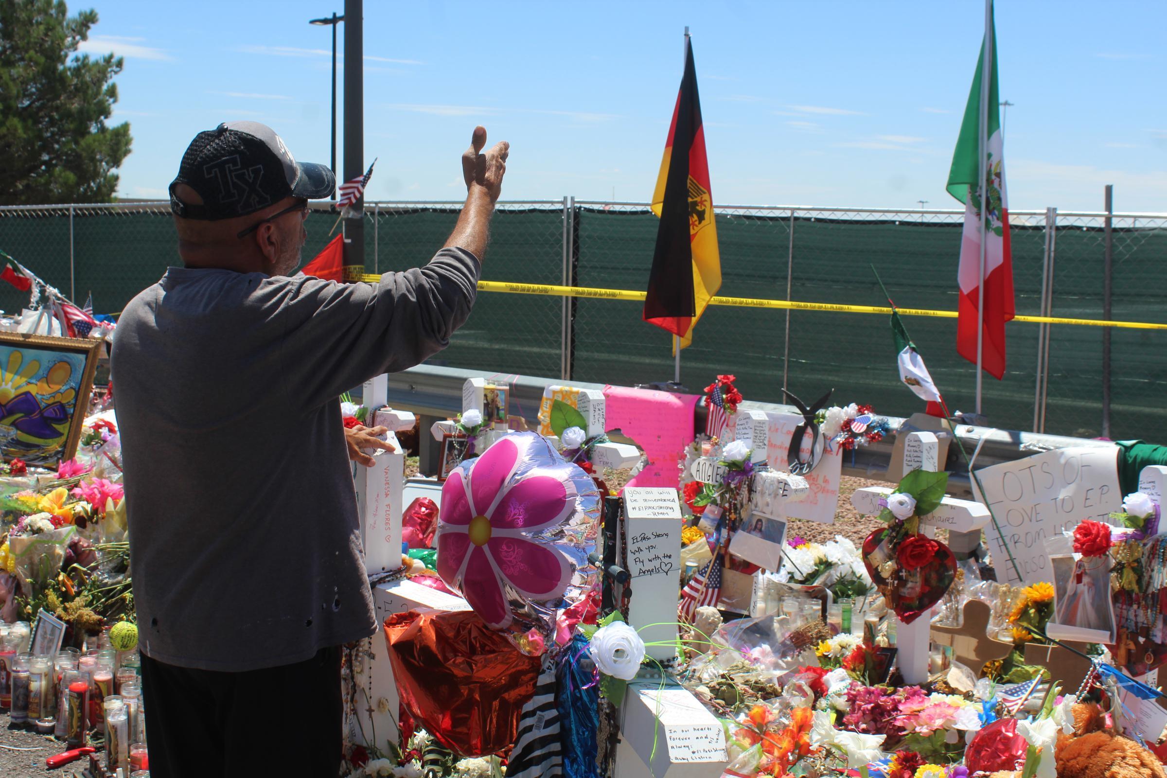 El Pasoans Grieve Using Personal Traditions Walmart