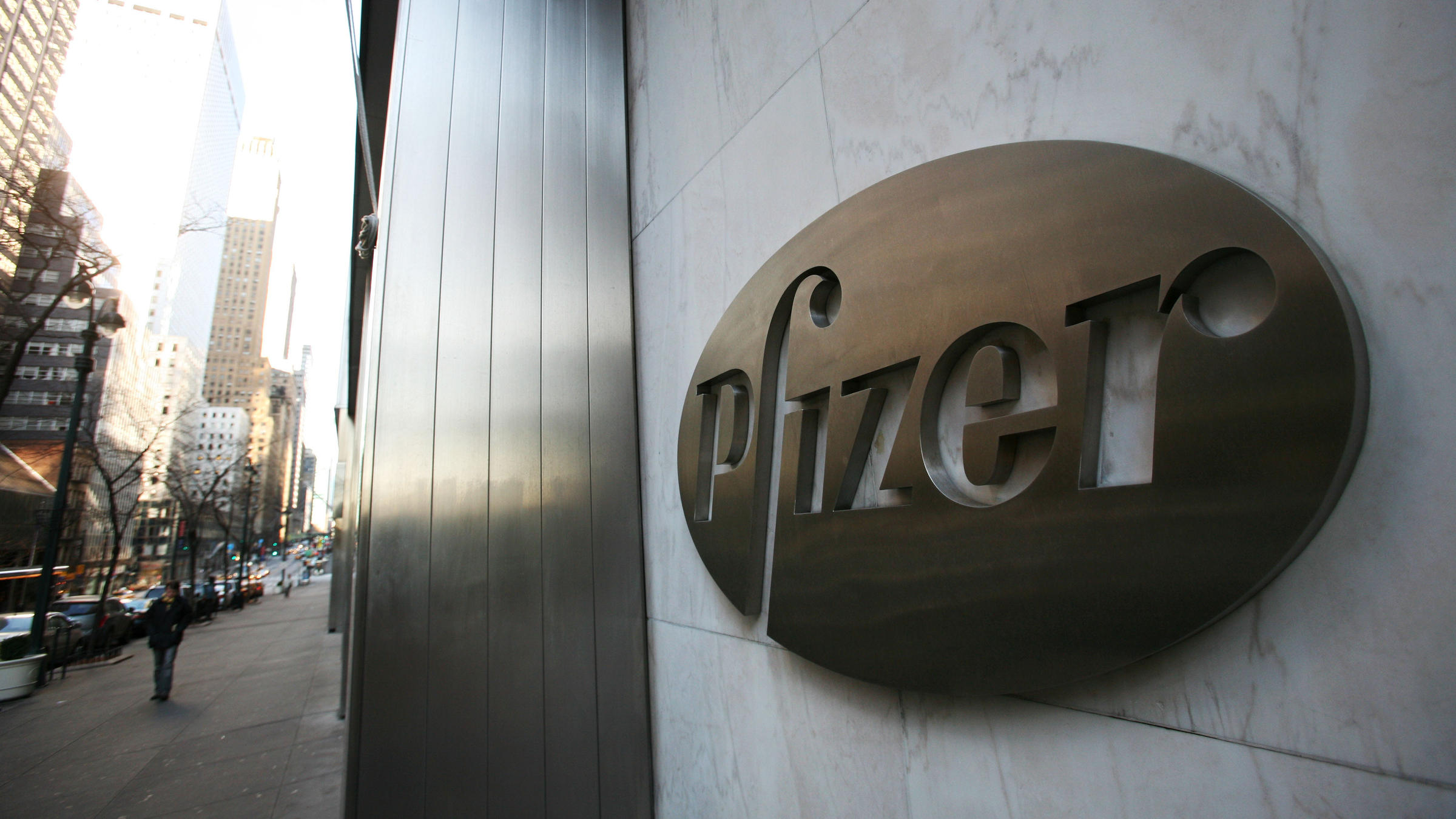 Tax Breaks Could Be Biggest Prize In Pfizer Deal For Astrazeneca 88 9 Ketr