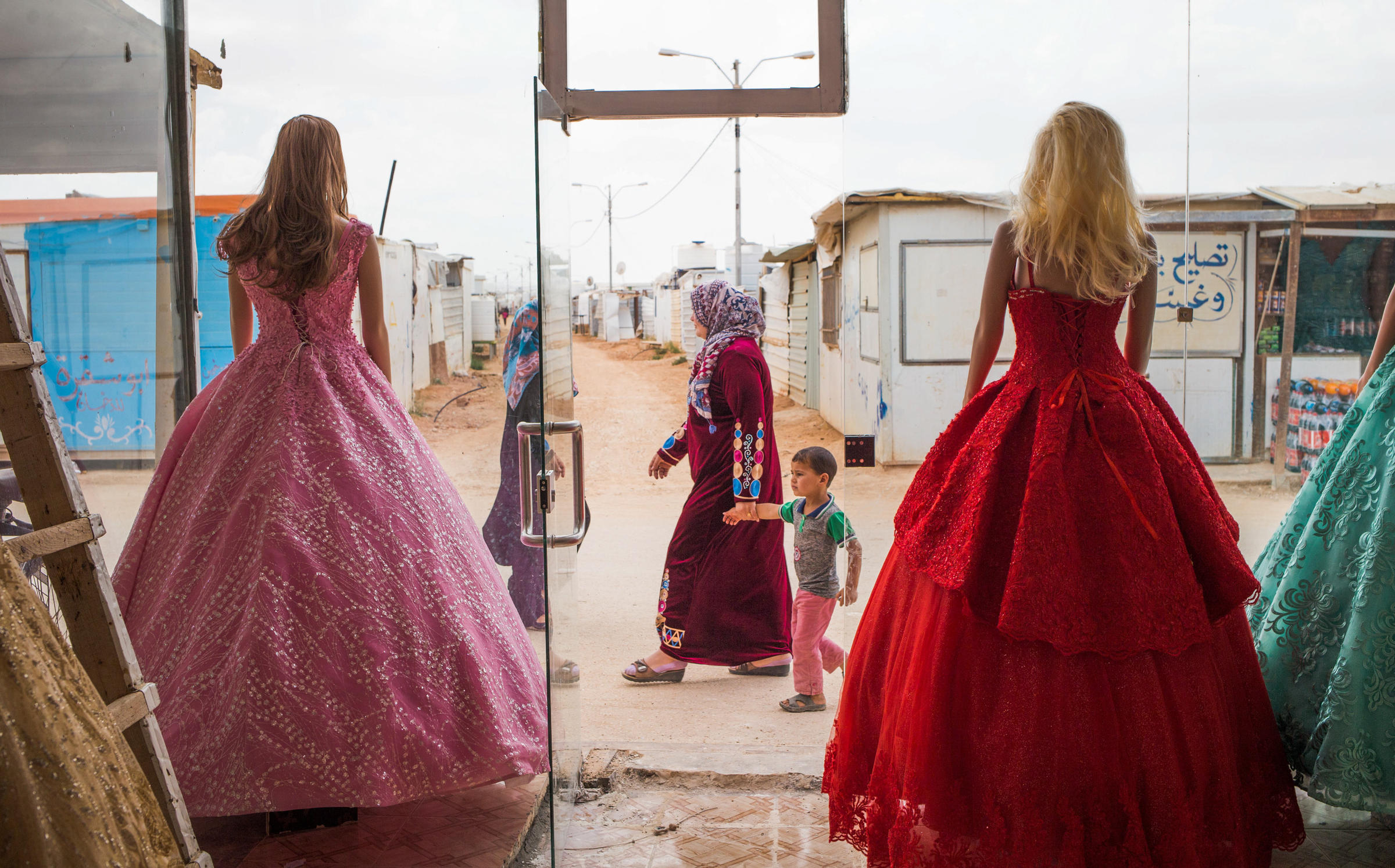 Refugees Say Yes To The Rental Wedding Dress   WPRL