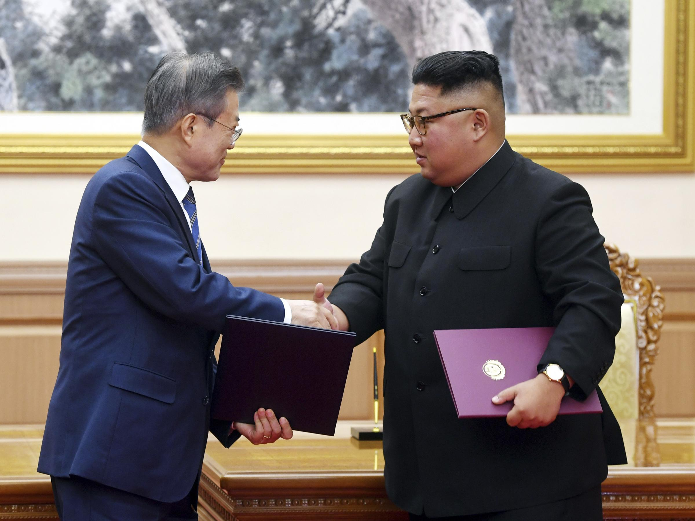 North Korea S Kim Jong Un Says He Will Visit Seoul Wmot
