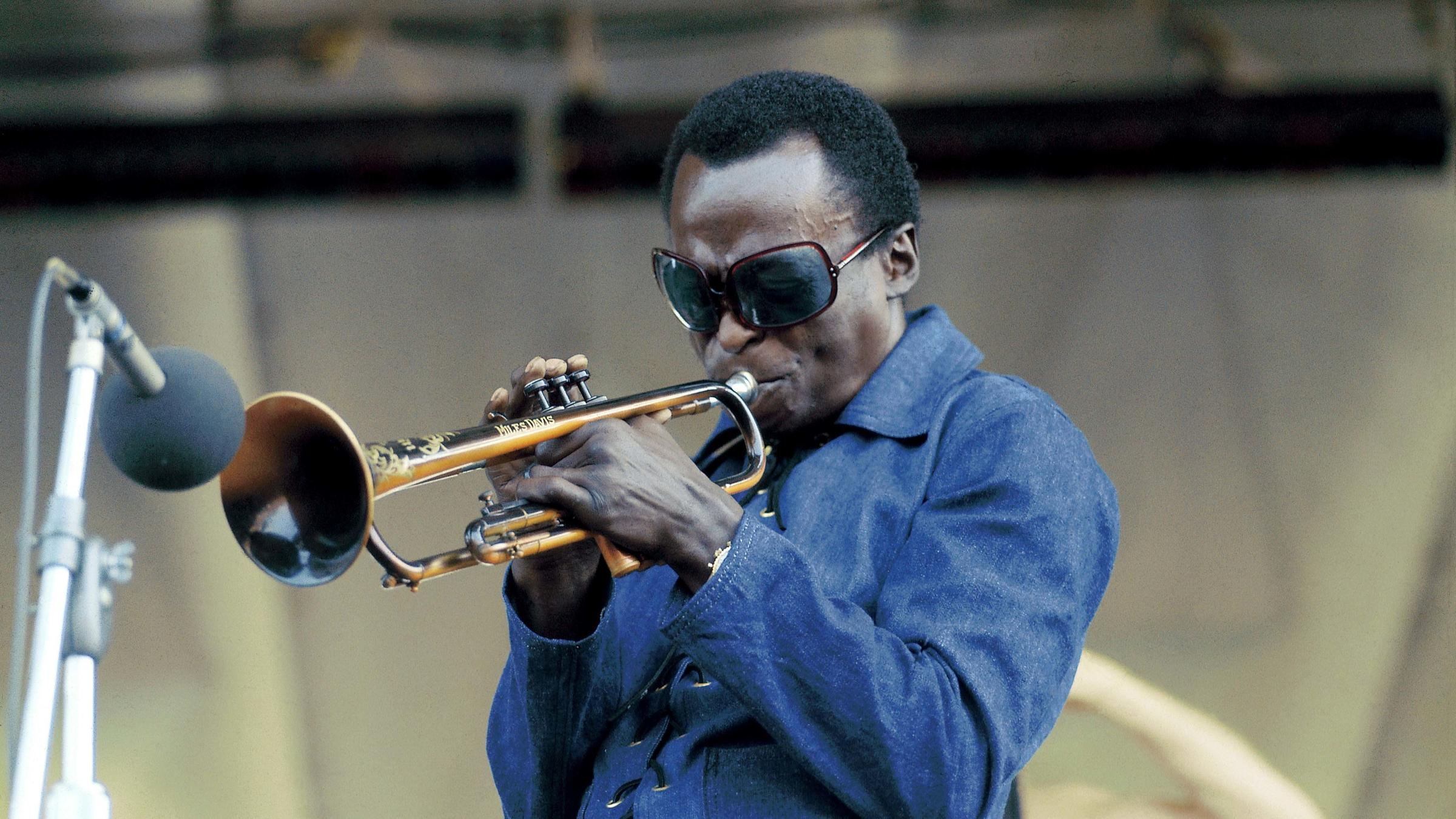 Looking Back On 'Bitches Brew': The Year Miles Davis Plugged Jazz ...