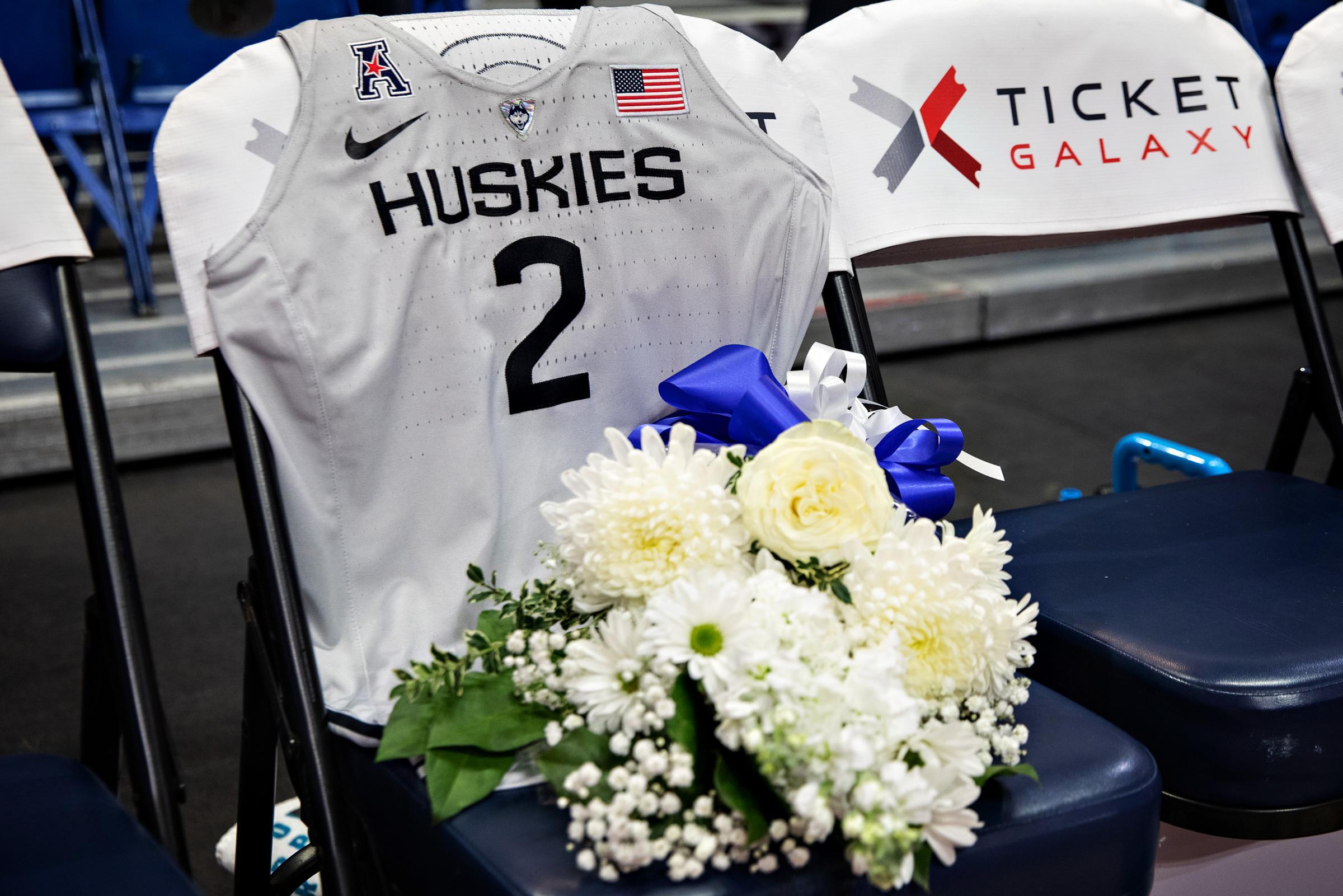 Kobe Bryant, Daughter Gianna Remembered During UConn Women's ...
