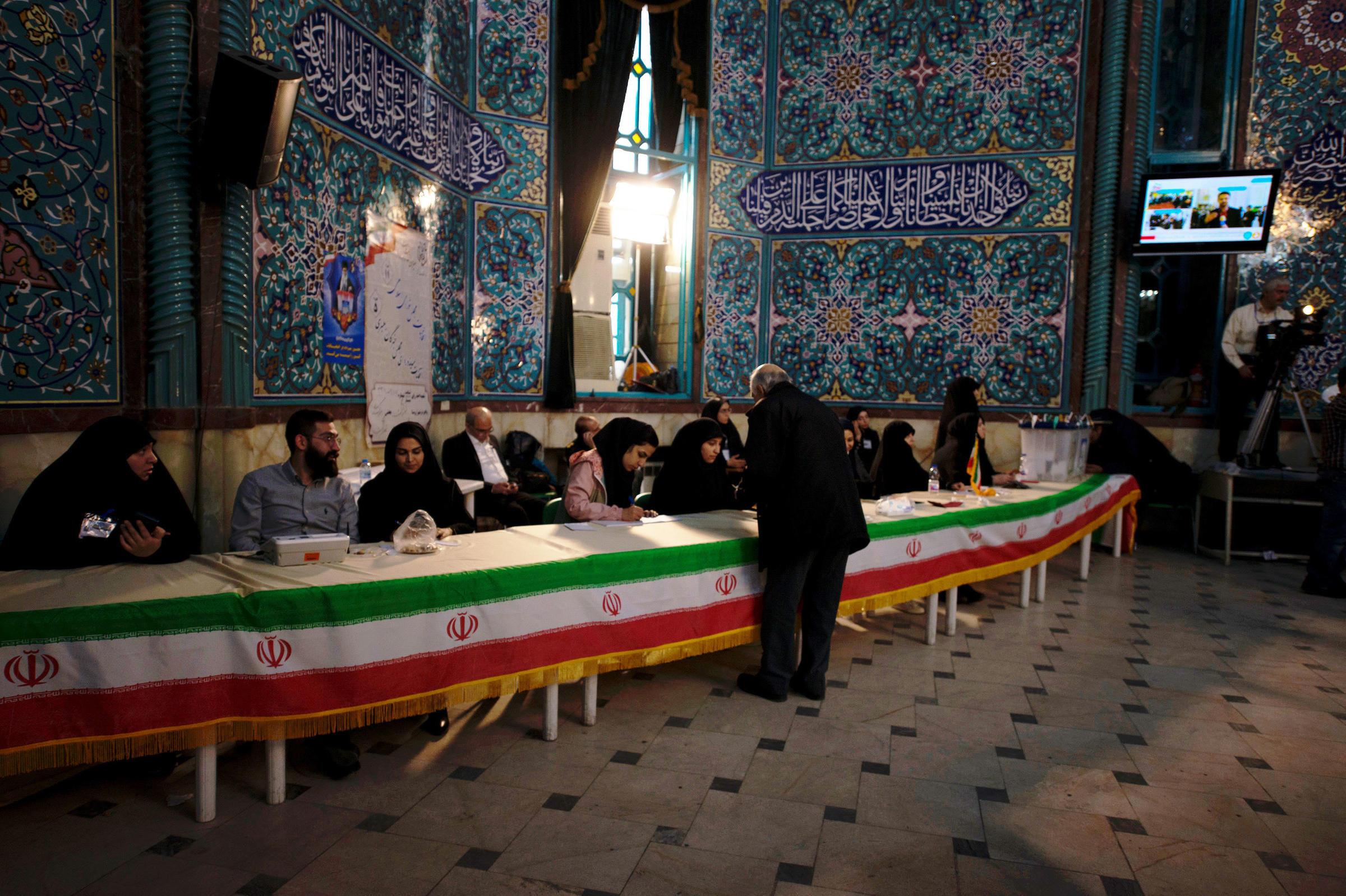 Iran's Rouhani says Tehran will never talk to USA under pressure