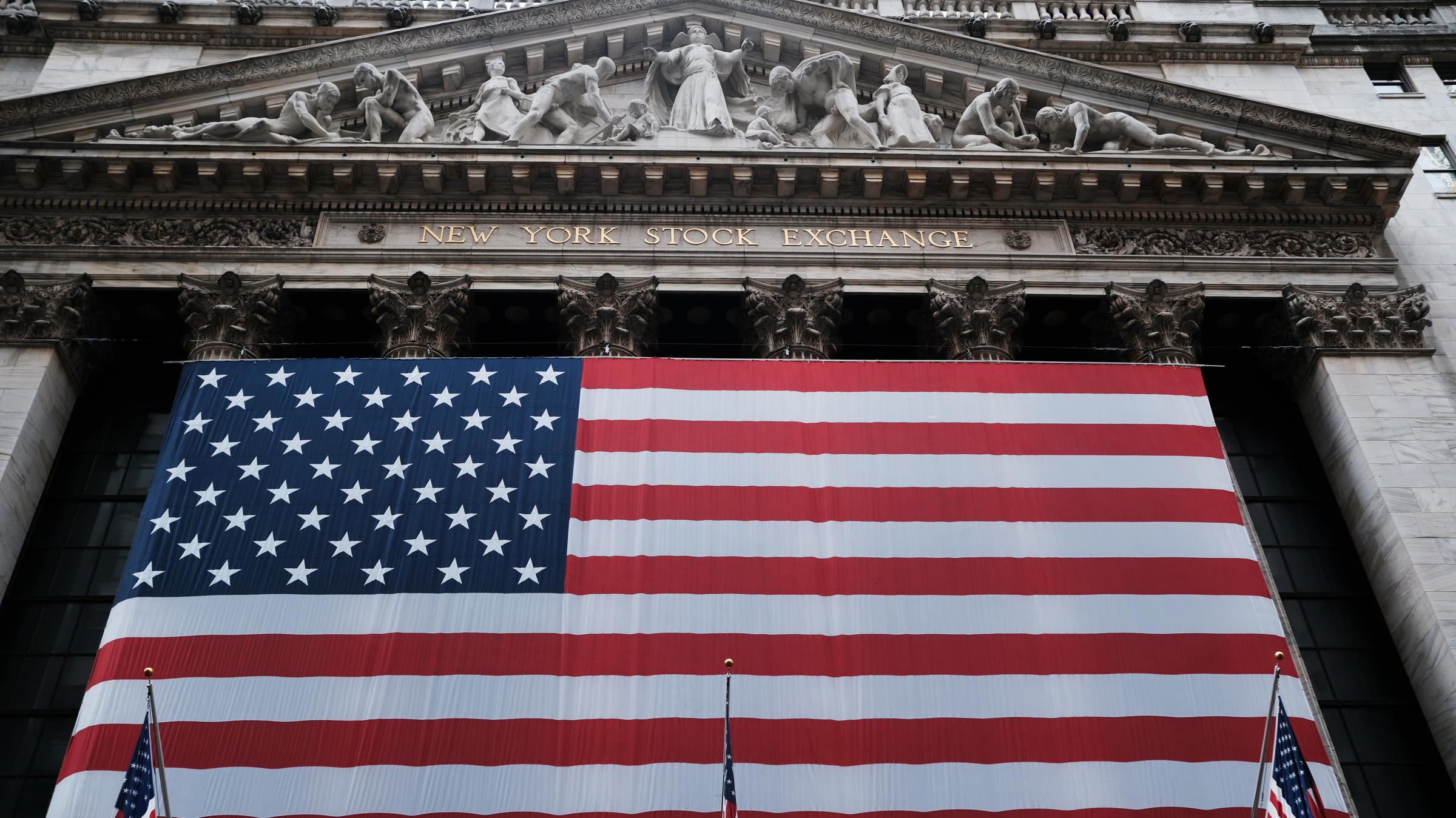 Fed commits to unlimited bond purchases in massive new programme