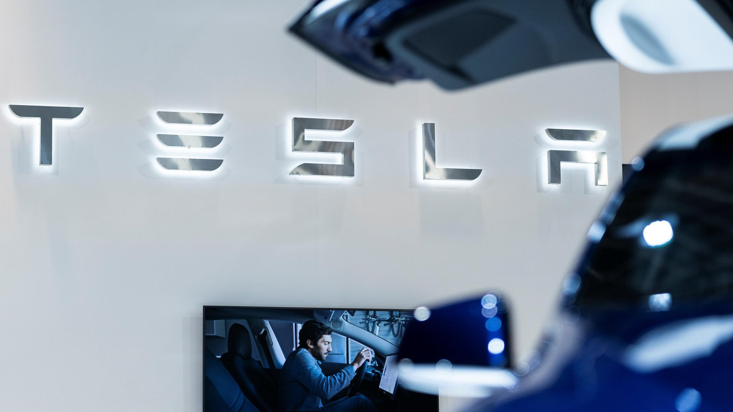 Tesla surprises Wall Street with Q1 profit