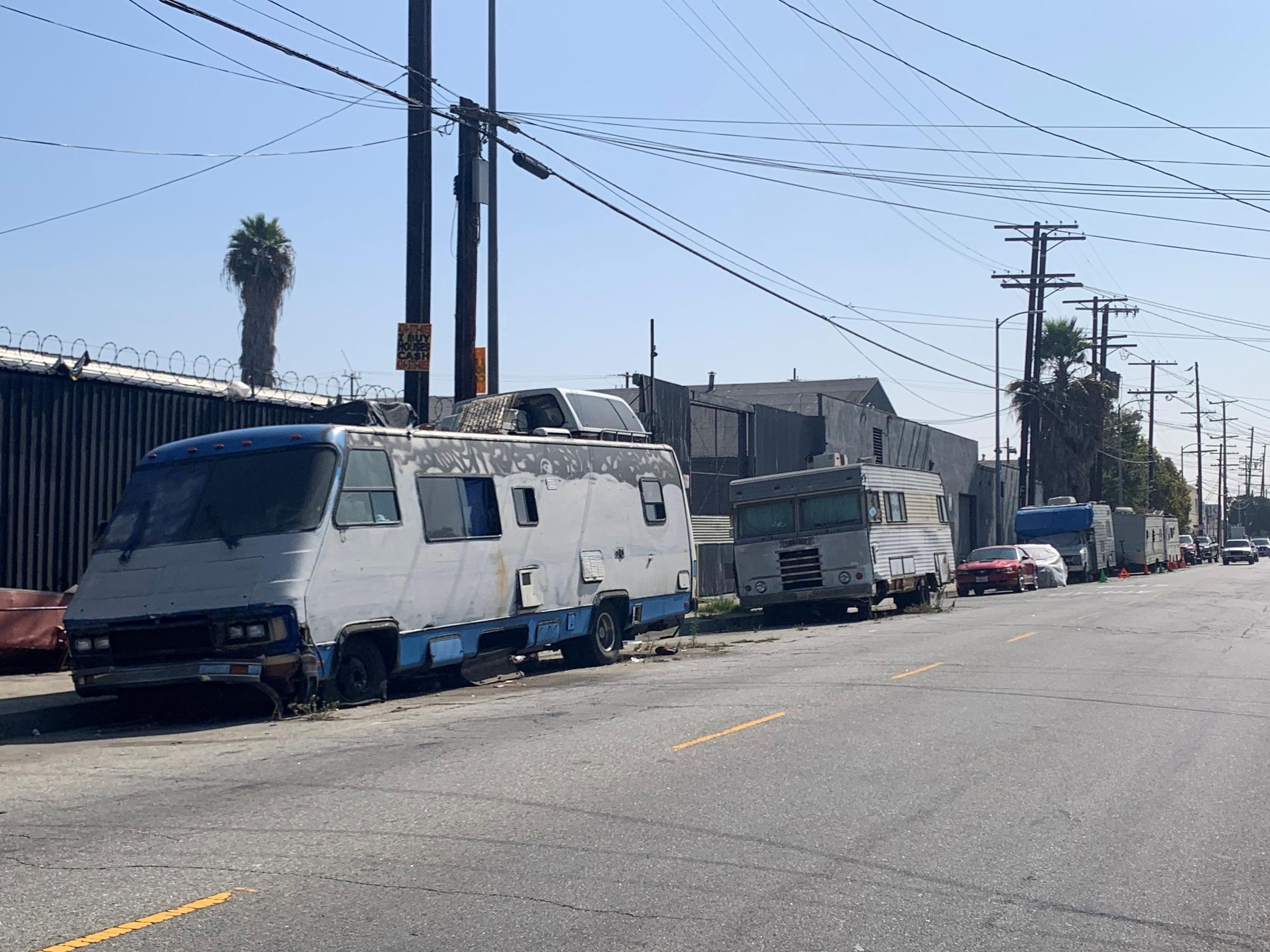 Amid Homelessness Crisis Los Angeles Restricts Living In Vehicles Kpcw