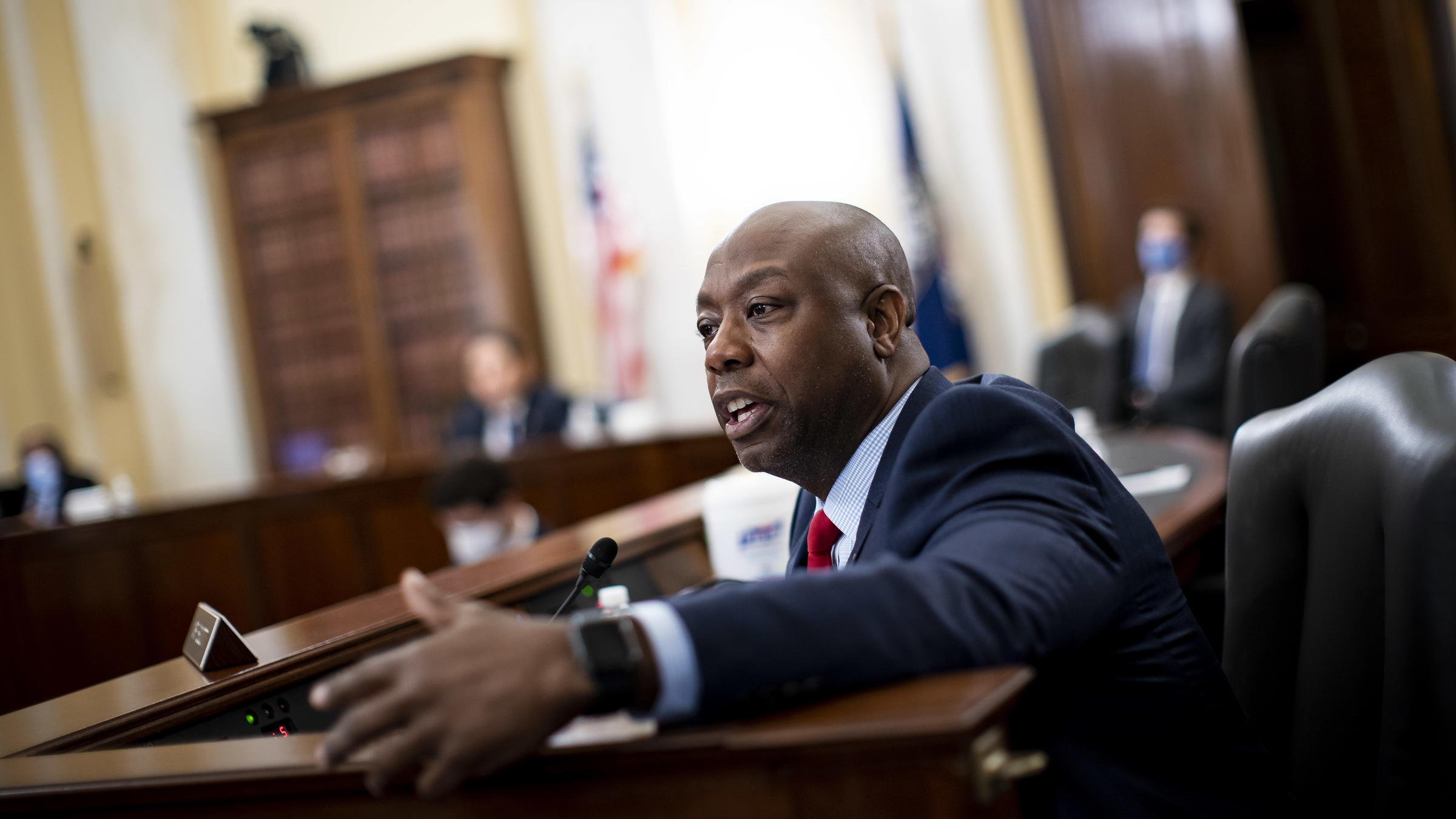 Senate Republicans' unveil policing bill, Democrats say it doesn't go far enough