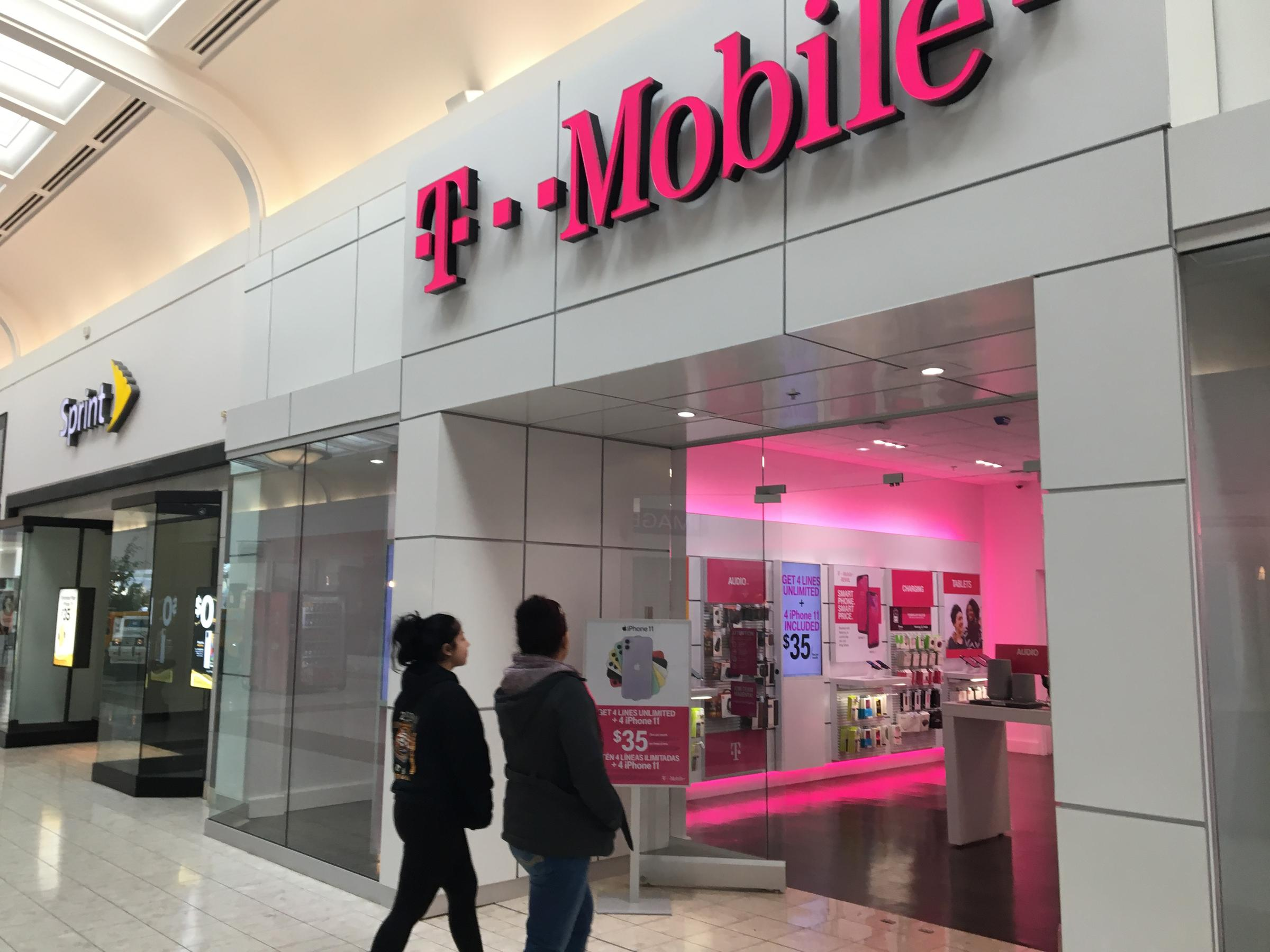 Hundreds Of Kansas City Sprint Employees Laid Off As T Mobile