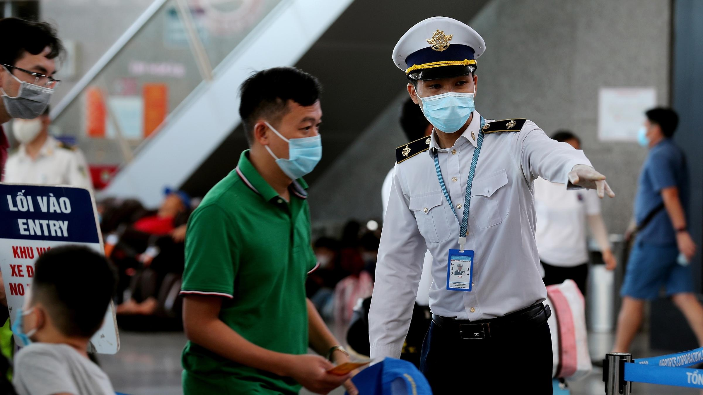 80,000 people leave Vietnamese city after new virus cases appear