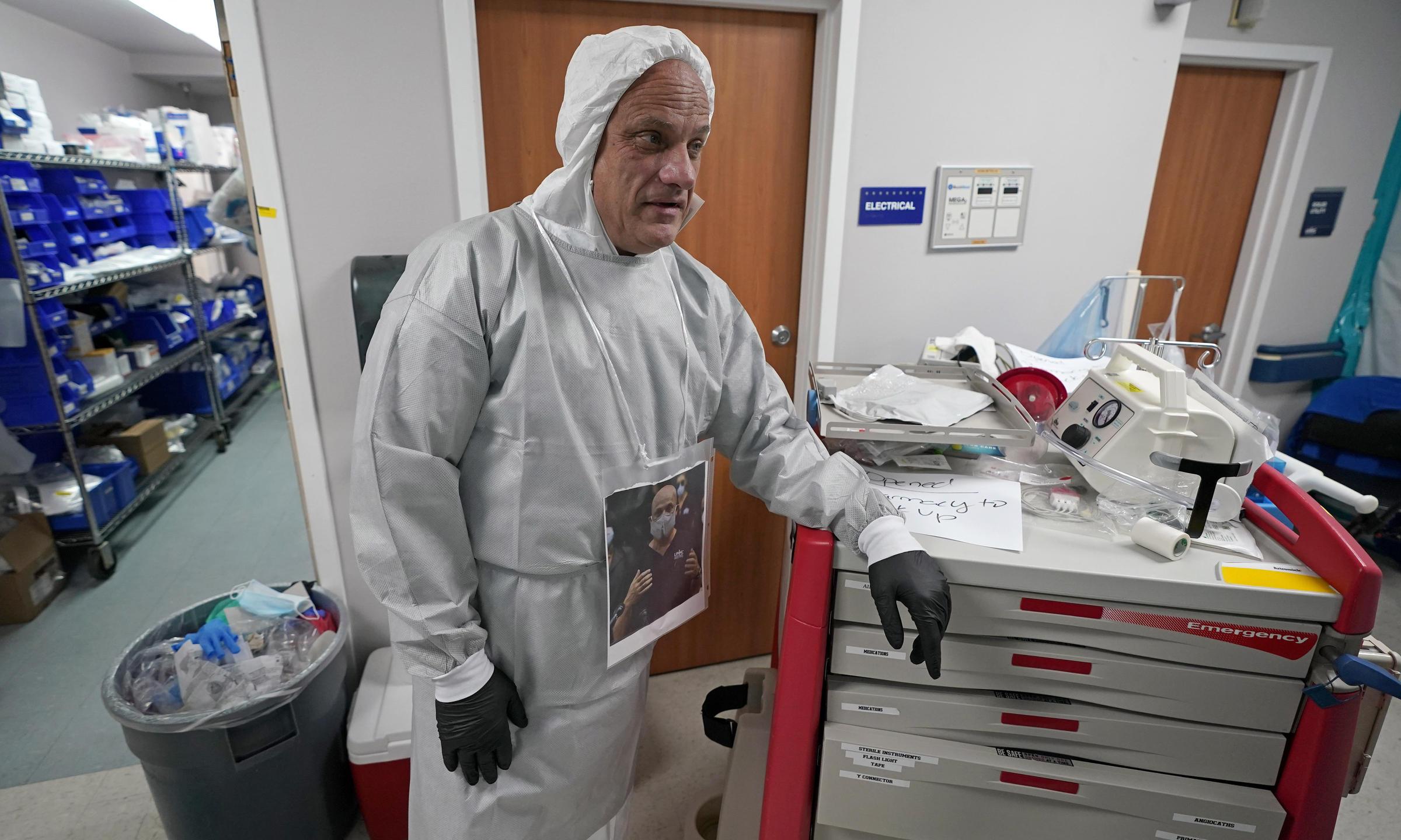 A Houston Doctor On His Hospital's 'Deadliest Week' So Far | KPCW