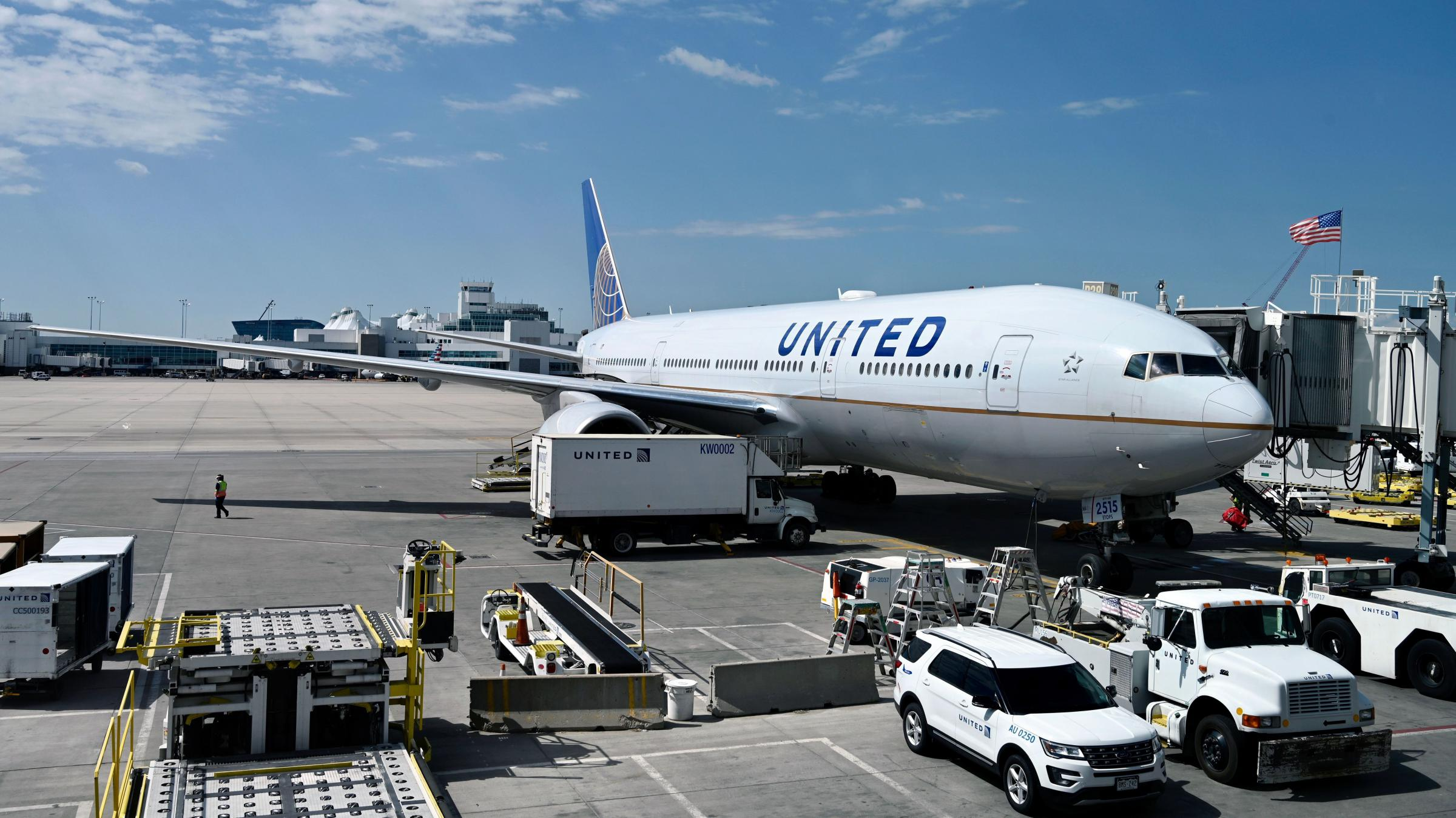 United Plans 16000 Furloughs As Airlines Cut Jobs During Pandemic Downturn