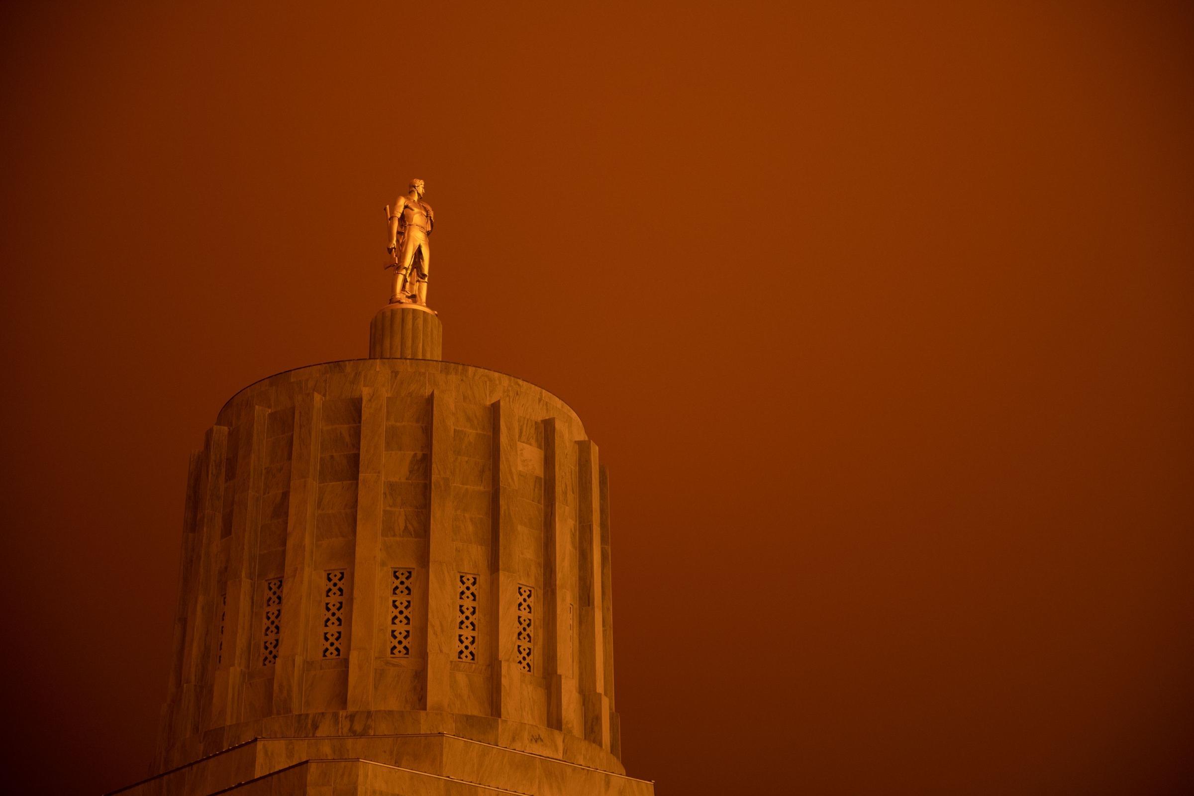California wildfires: Three die as blazes continue raging