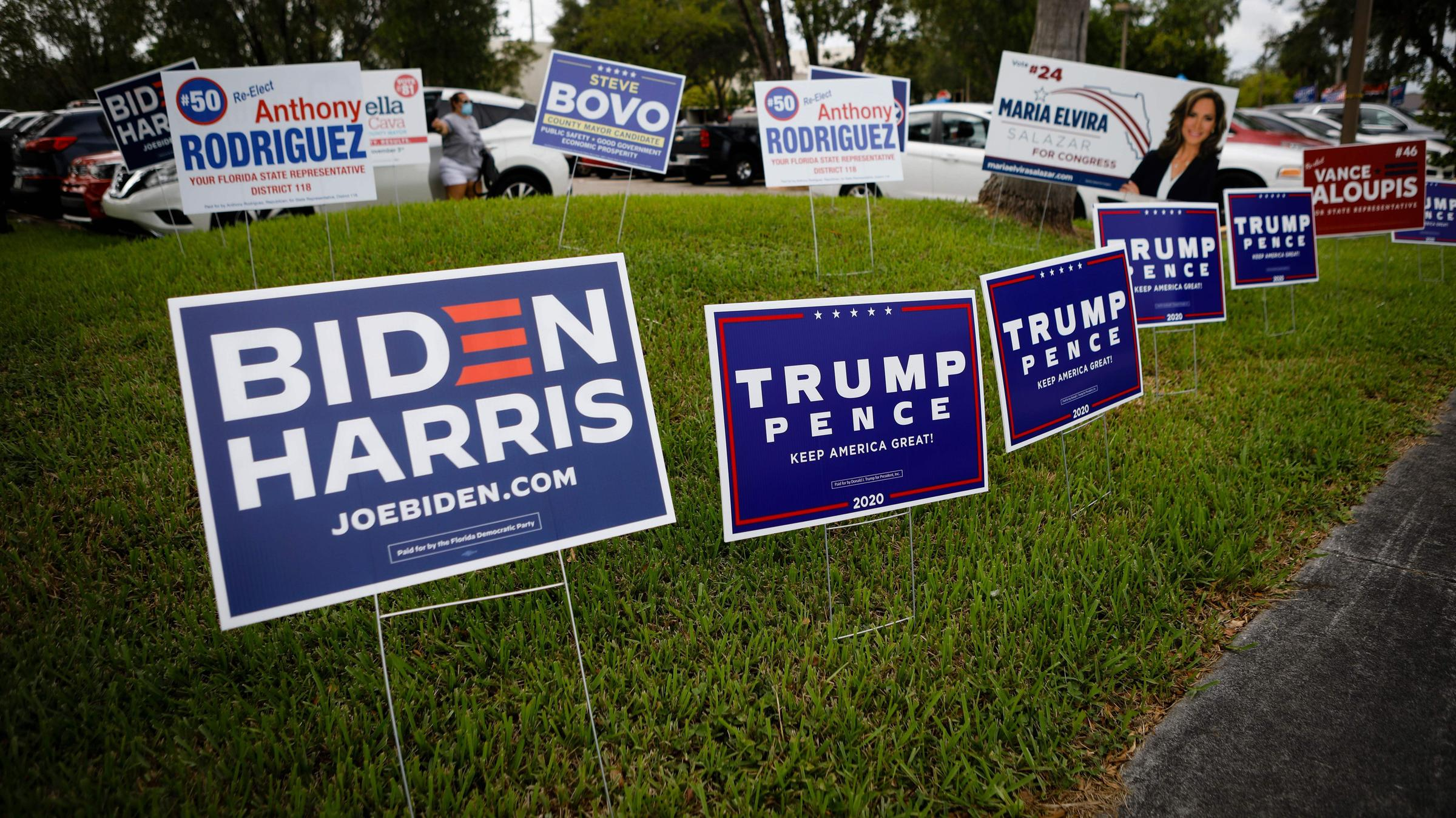 Biden And Trump Campaigns Stress Closing Themes In New Tv Ads Waer