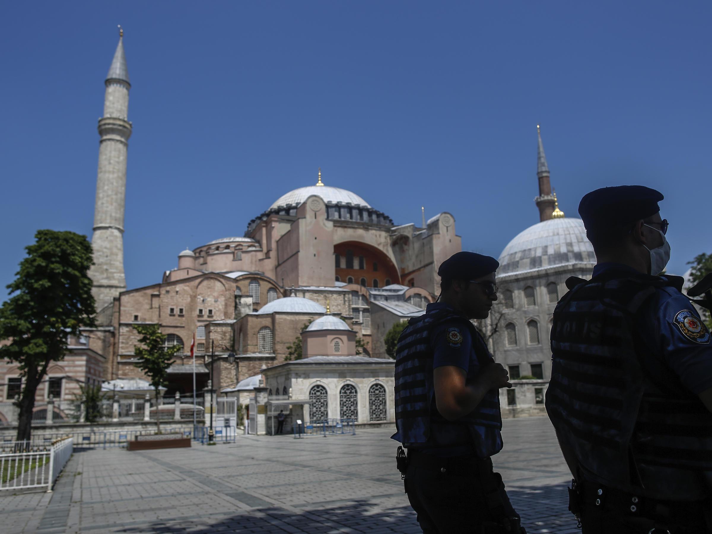 Turkey Converts Istanbul S Iconic Hagia Sophia Back Into A Mosque Cai