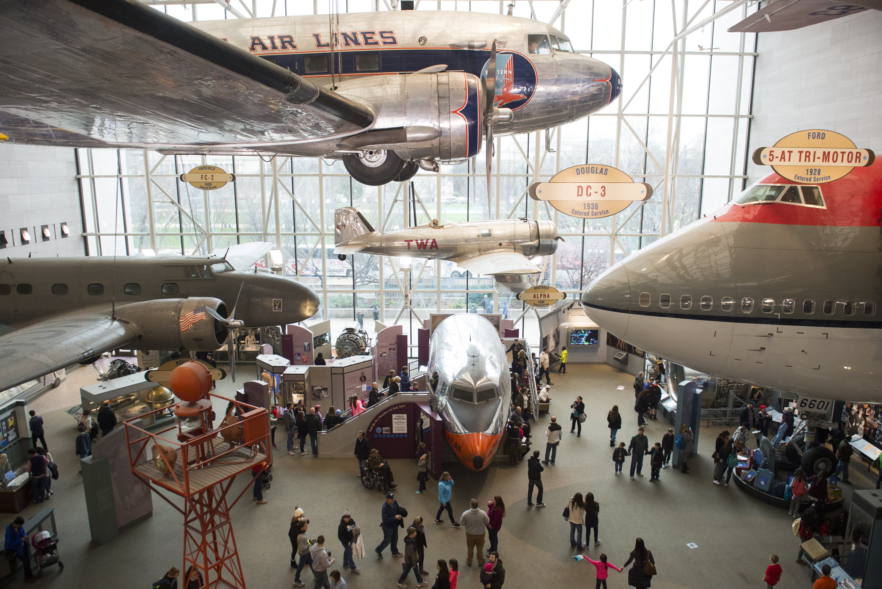 Smithsonian S National Air And Space Museum Celebrates 40 Years Of