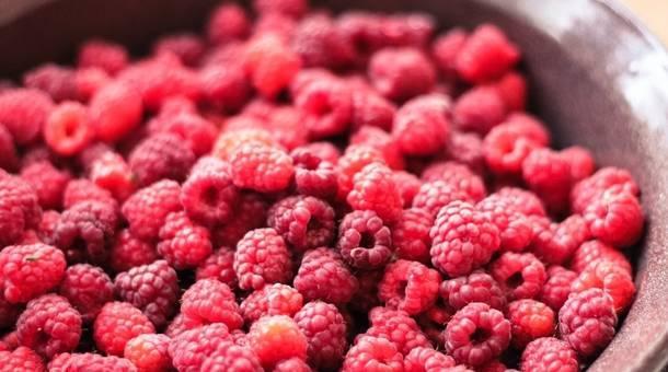 raspberry-raspberries-fruits-healthy-food.jpg