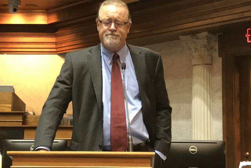 Senate President Pro Tem David Long (R-Fort Wayne) says any changes to the superintendent bill will mean its defeat in the Senate. (Brandon Smith/IPB News)