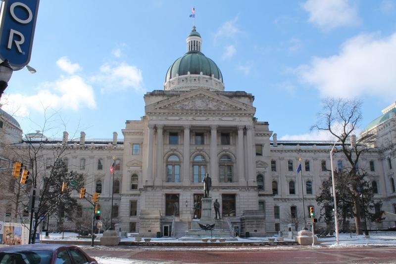 A Sunday alcohol sales bill has never so much as passed a Senate committee before this year, let alone the whole chamber. (Lauren Chapman/IPB News)