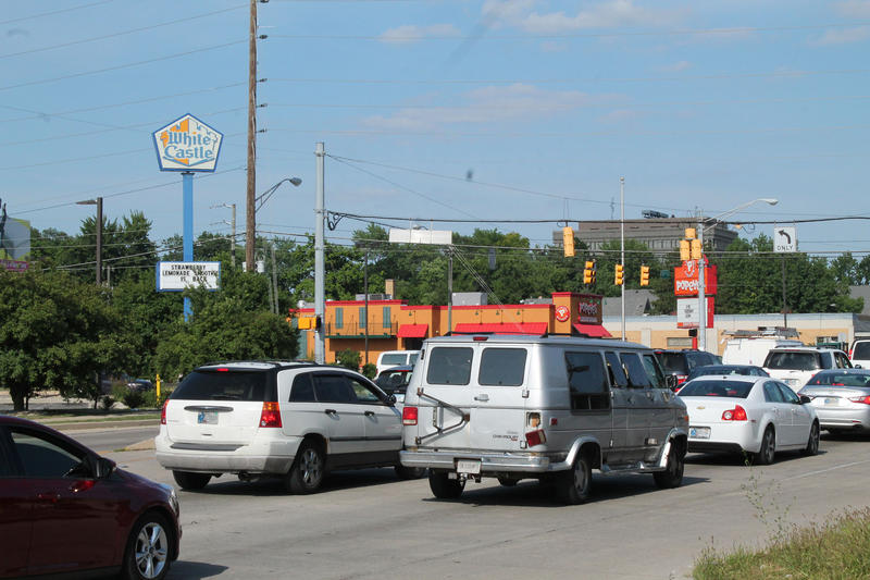 The corner of 38th Street and Keystone Avenue is lined with fast food options. (Lauren Chapman/IPB News)