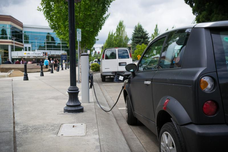 A public electric car charging station. (Wikimedia Commons)
