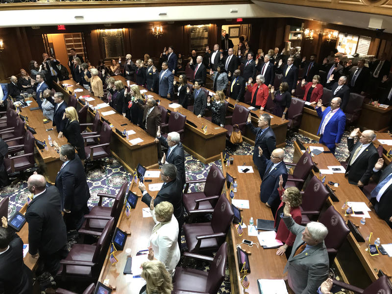 Members of the Indiana House of Representatives are sworn in. (Brandon Smith/IPB News)