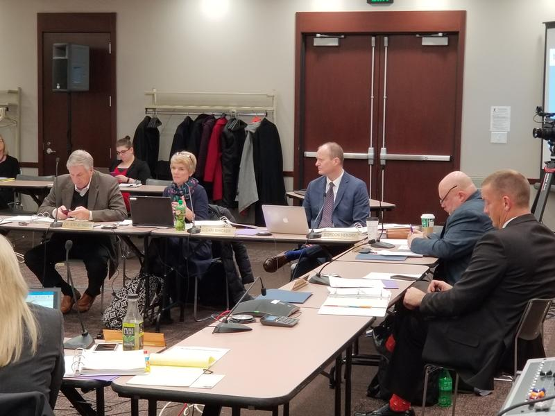 State board members debate the final proposal for new virtual charter school regulations at their December meeting. (Jeanie Lindsay, IPB News)