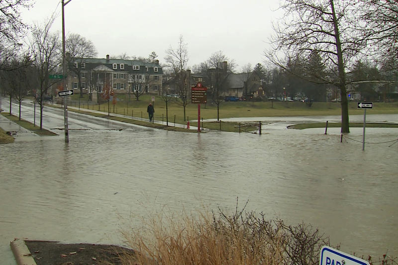The flooded intersection of 6th Street and Indiana Ave. in Bloomington on Feb. 7. (Steve Burns/WTIU)