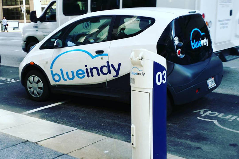 A Blue Indy electric car at a charging station in Indianapolis. (Deb Nystrom/Wikimedia Commons)