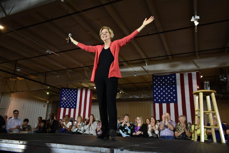 U.S. Sen. Elizabeth Warren (D-Mass.) receives applause at a presidential campaign event in Elkhart. (Justin Hicks/IPB News)