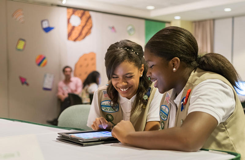 The Girl Scouts of the USA is going digital, teaching girls to use Web marketing tools to sell Girl Scout Cookies.