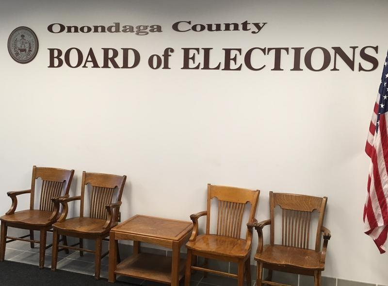 Milwaukee Election Commission offers voting help at libraries