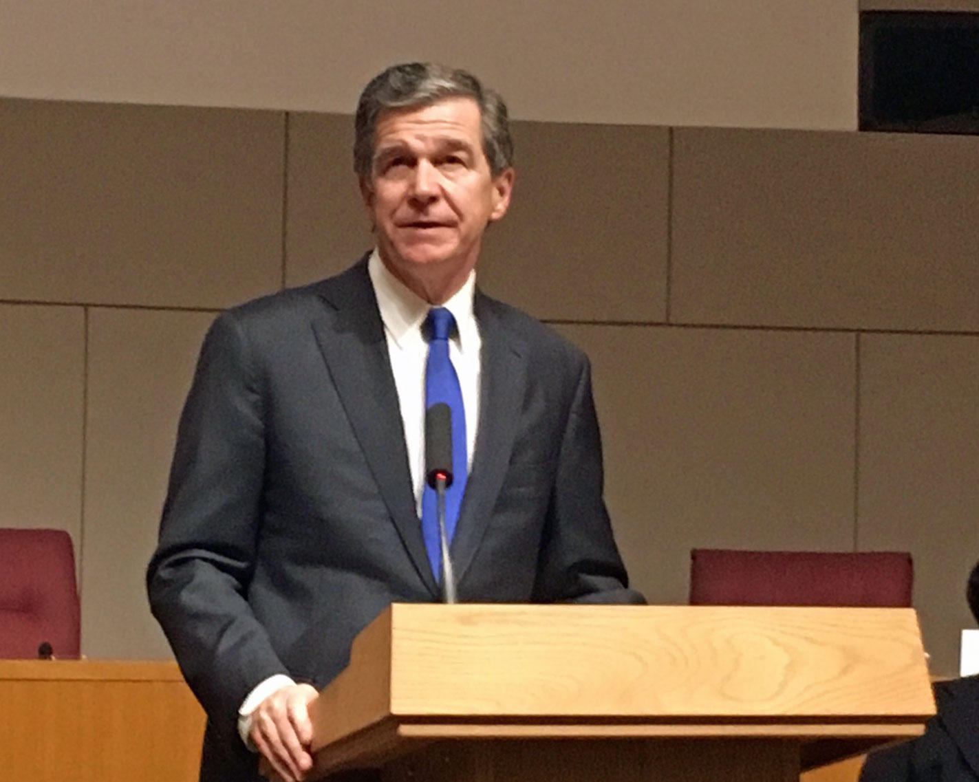 Cooper Calls On NC Lawmakers To Pass 'Red Flag' Bill After