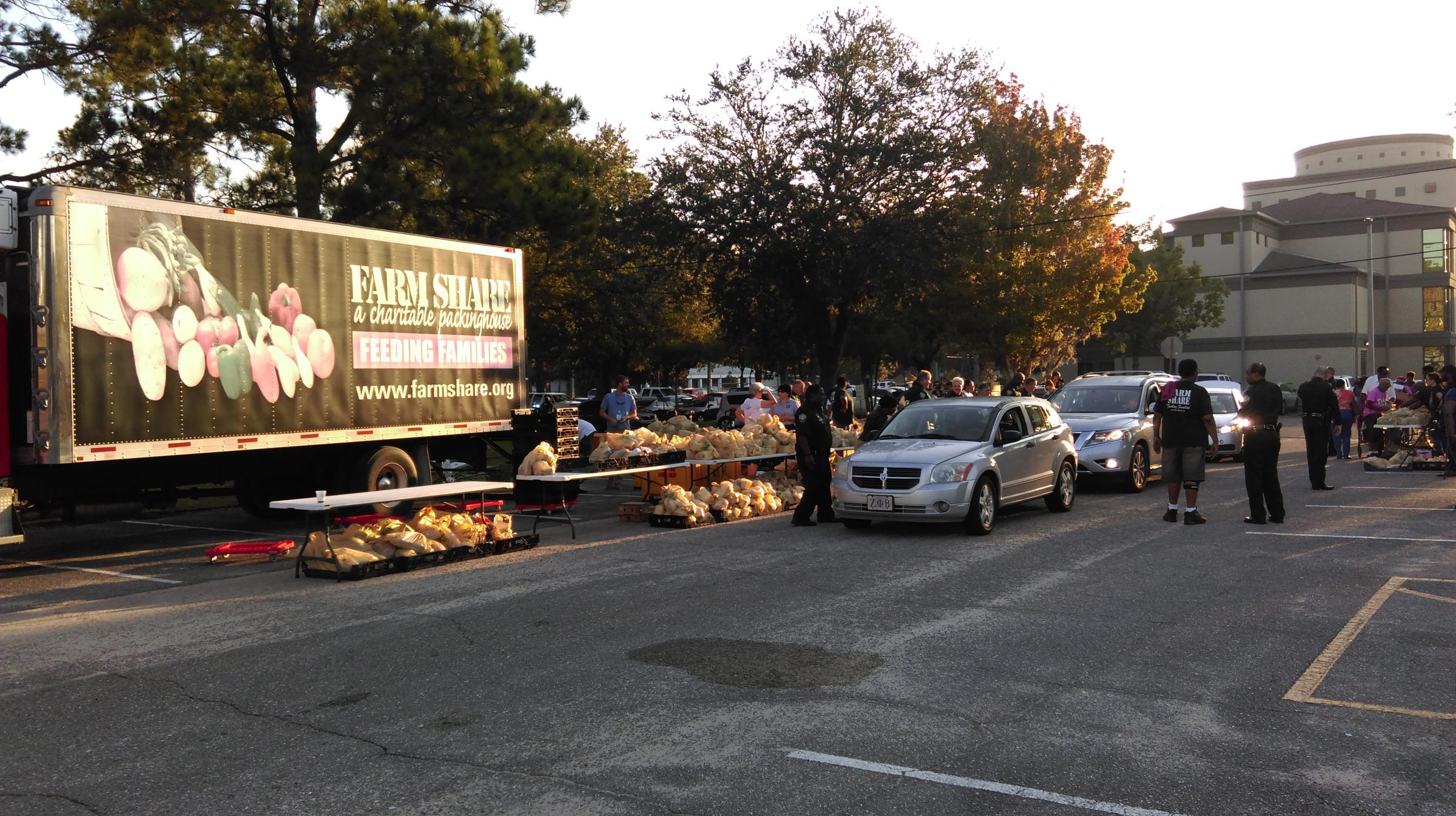 Farm Share and Sheriff's Office Distribute Food | WFSU
