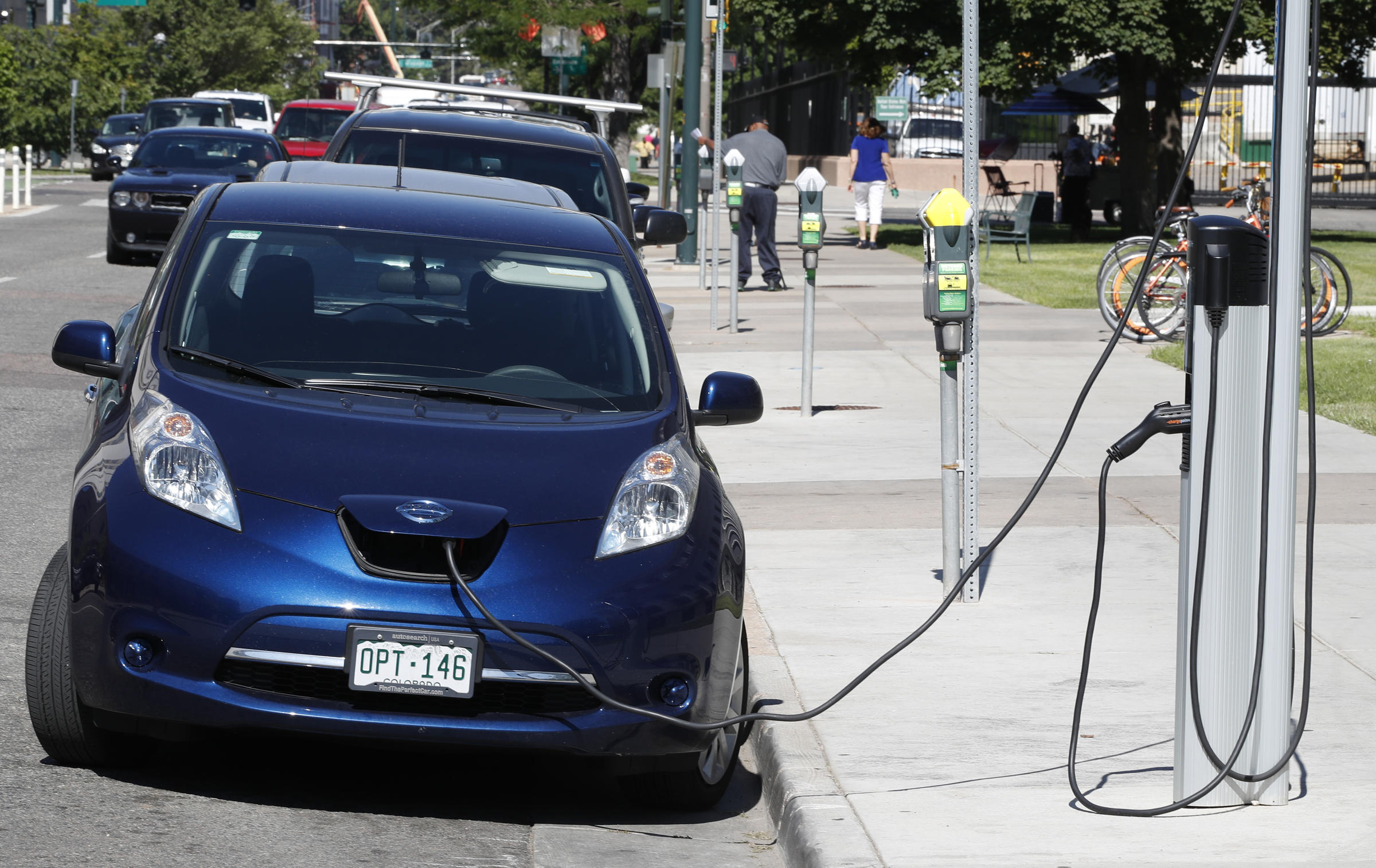 Governor Wants More Electric Car Charging Stations Wfsu