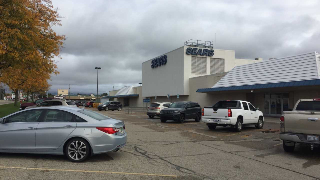 While Sears Has Declared Bankruptcy The Chain S Newest Round Of Closings Does Not Include Lansing