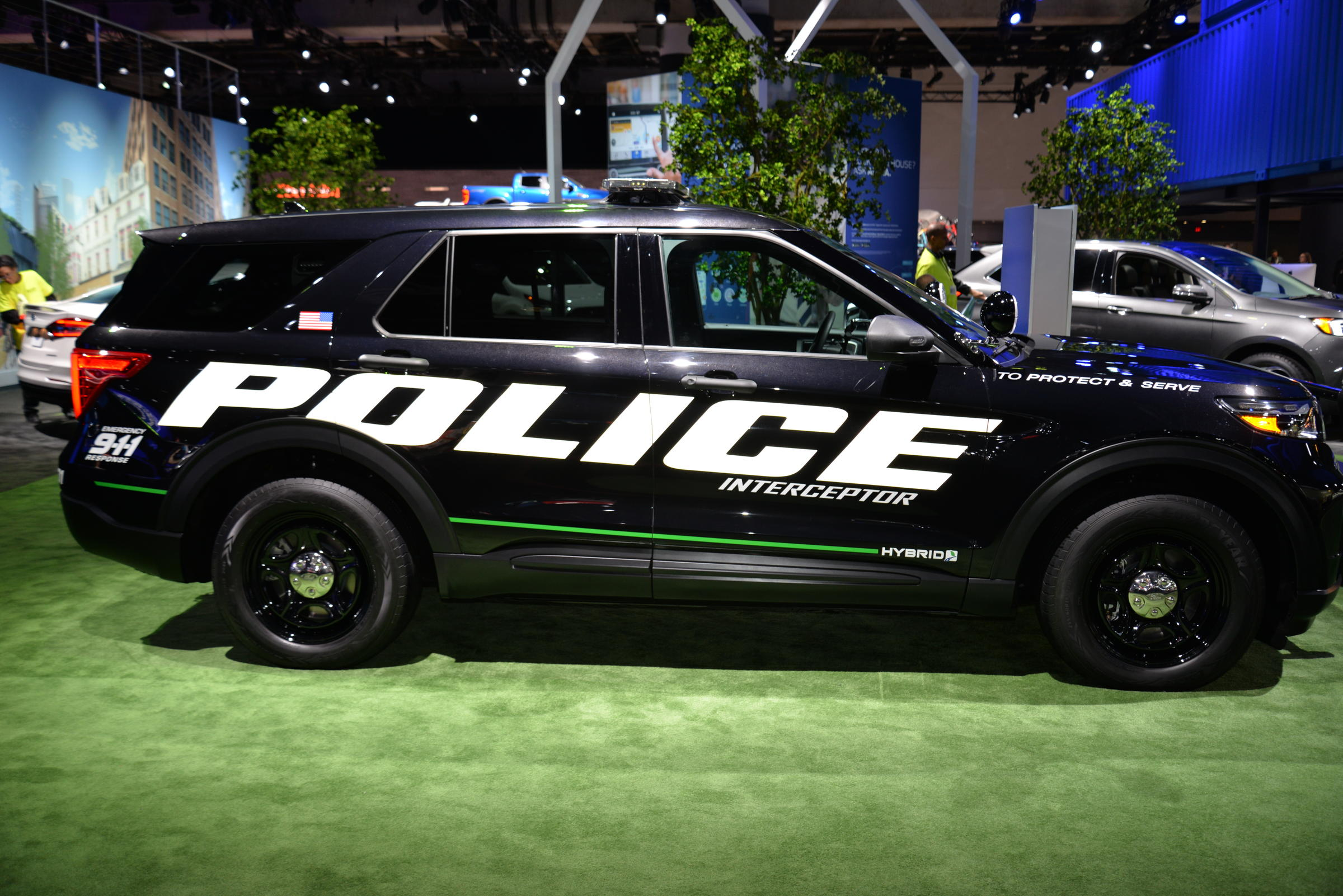 New Ford Police Hybrid Set To Save Police Departments Money While ...