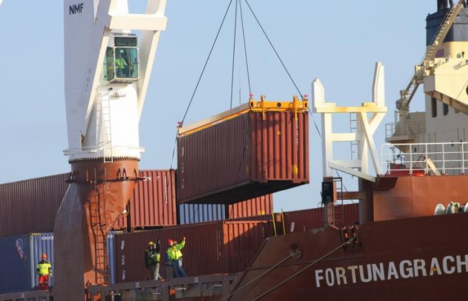 photo of shipping container