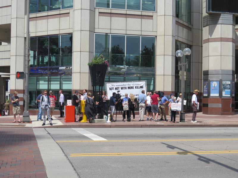 photo of death penalty vigil