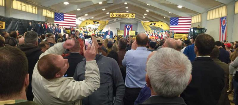 The President with union supporters in Richfield, OH